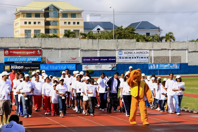 JCI Curepipe Handisport 2010 Athletes and Mascot